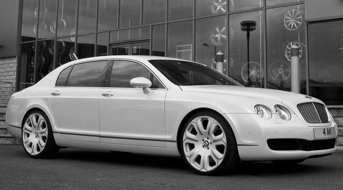 San Rafael Bentley Flying Spur Limousine